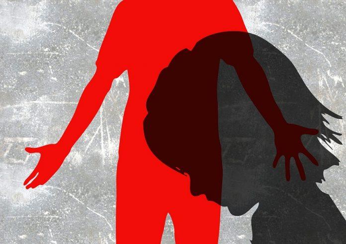 Vâlcea: Fetiță de 1 an şi 8 luni agresată de tatăl vitreg