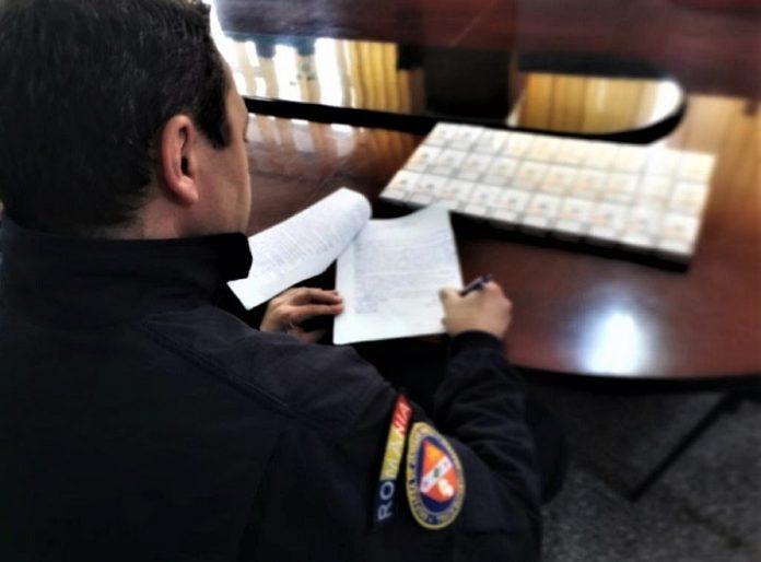 Țigări de contrabandă confiscate de un echipaj din cadrul Grupării de Jandarmi Mobile Craiova