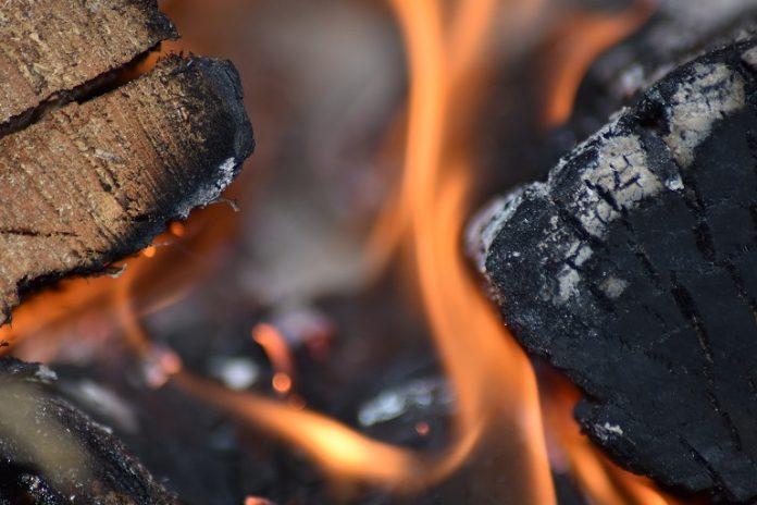 Olt: Tragedie în orașul Corabia – bărbat ars de viu într-un incendiu izbucnit pe strada Islaz