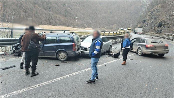 Accident rutier pe Valea Oltului in punctul Cârligul Mic