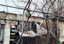Casă afectată de un incendiu izbucnit în Vâlcele