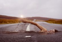 Bill Gates: Gândiți-vă la climă ca la o cadă care se umple încet cu apă