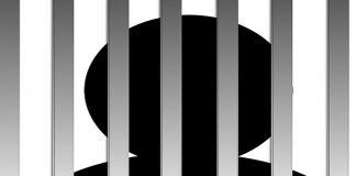 Bărbat de 70 de ani reținut pentru că ar fi agresat reprezentantul unu hotel din Târgu Cărbuneşti