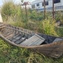 Barca din lemn pentru decor gradina
