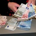 oferă rate scăzute și împrumuturi cu rată scăzută pentru orice persoană